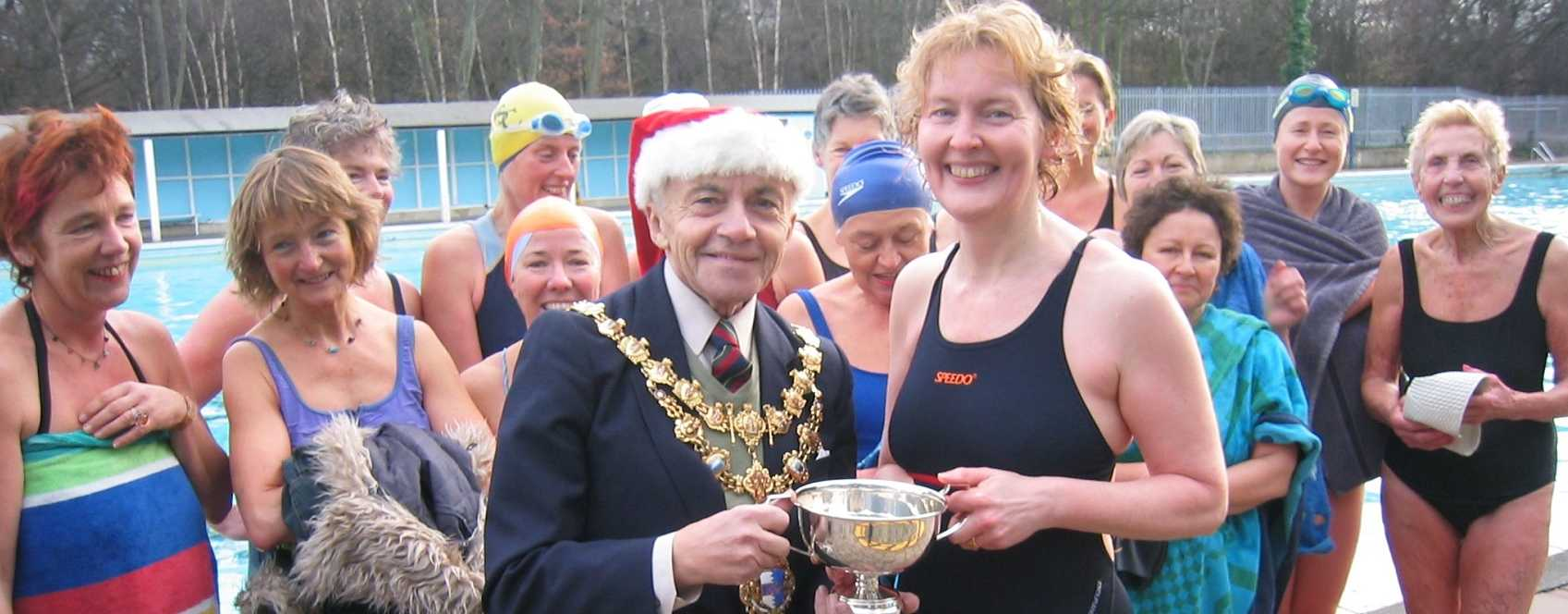 Megan Willis Wins the Christmas day race 2003