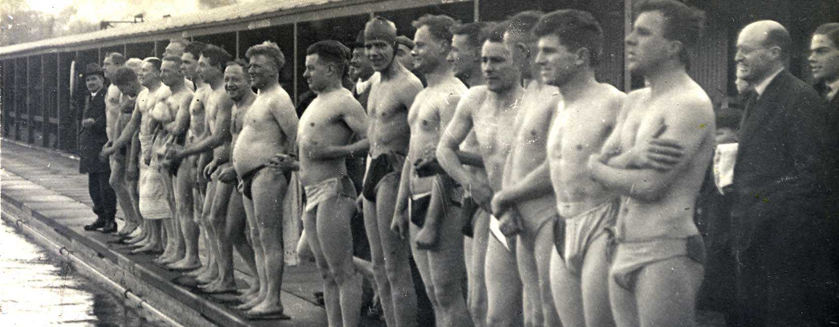 Competitors line up for the Christmas Day swim 1929.