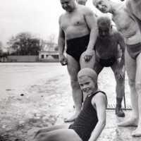 Elizabeth Takes an Icy Dip